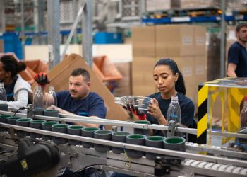 how-conveyor-belt-changed-manufacturing-forever